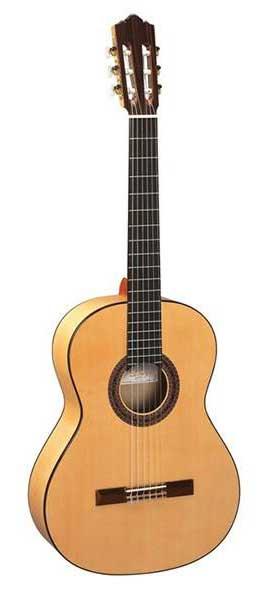 بهترین گیتار کلاسیک بازار